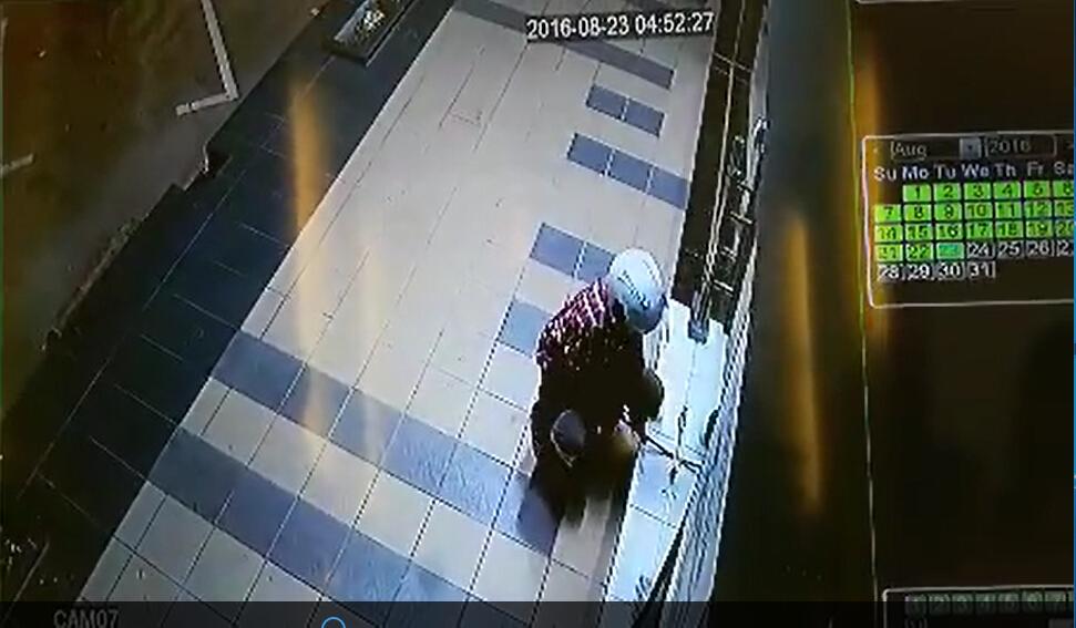 窃贼凌晨撬锁偷盗,AHD同轴高清摄像机记录这一切